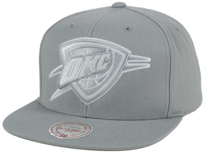 Oklahoma City Thunder Mitchell and Ness NBA Team Gray White Snapback Cap