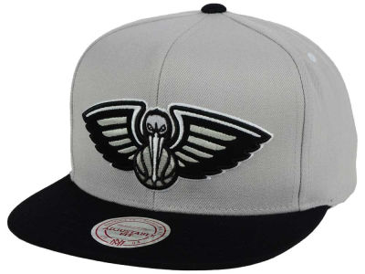 New Orleans Pelicans Mitchell & Ness NBA Team Gray White Snapback Cap