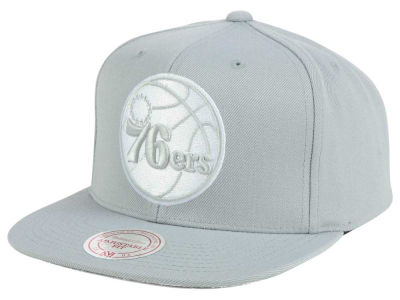 Philadelphia 76ers Mitchell and Ness NBA Team Gray White Snapback Cap