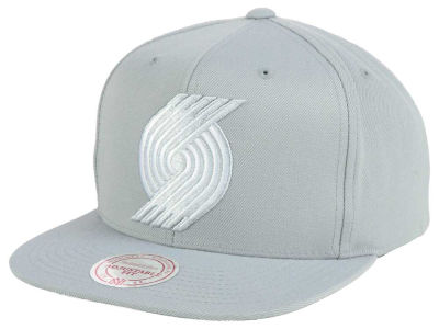 Portland Trail Blazers Mitchell and Ness NBA Team Gray White Snapback Cap