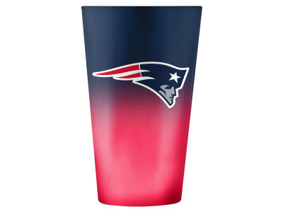 New England Patriots 16oz Ombre Pint Glass