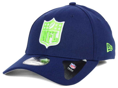 Seattle Seahawks New Era NFL Team Shield 39THIRTY Cap