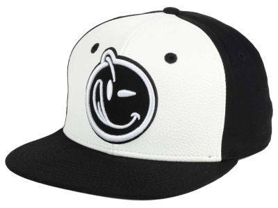 YUMS 2 Tone Classic Outline Snapback Cap