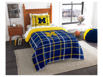 Michigan Wolverines Twin Soft & Cozy Set