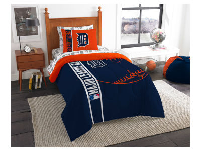 Detroit Tigers Twin Soft & Cozy Set