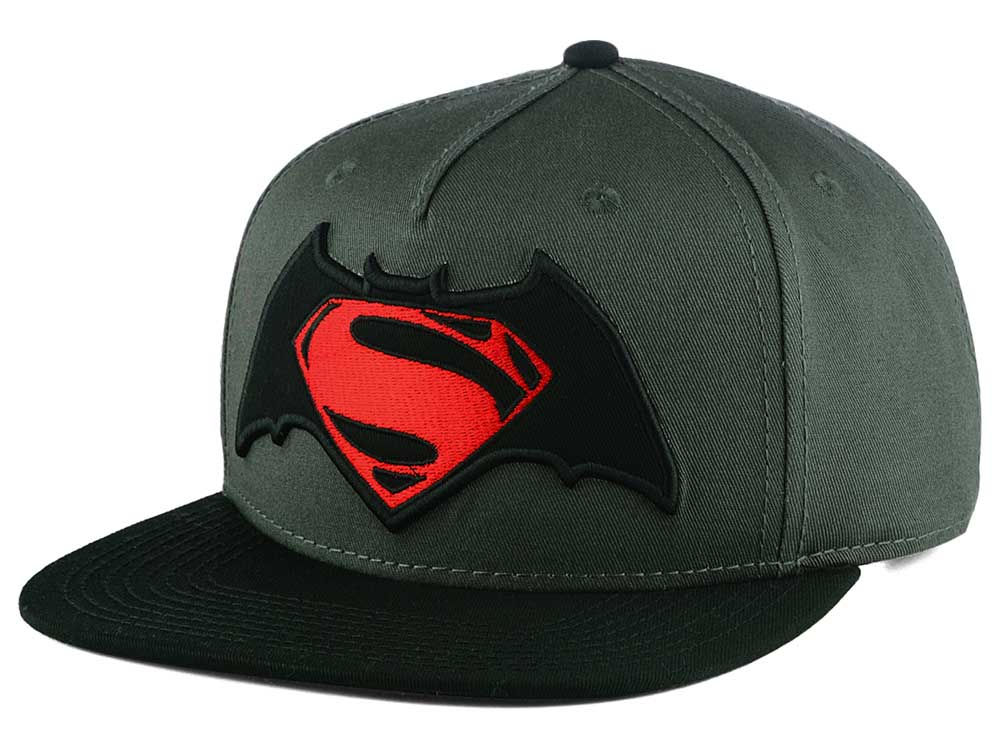 DC Comics Batman vs Superman Snapback Cap  9d9c3e215ad