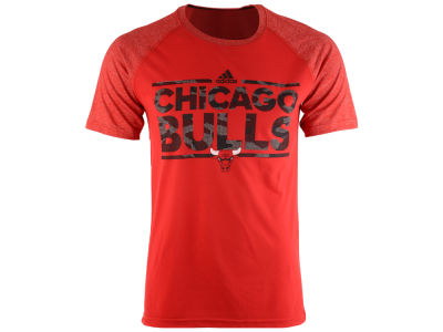 Chicago Bulls adidas NBA Men's Camo Dassler Raglan T-Shirt