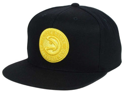 Atlanta Hawks Mitchell and Ness NBA All Gold Logo Snapback Cap