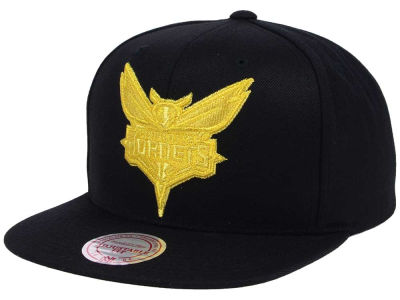 Charlotte Hornets Mitchell and Ness NBA All Gold Logo Snapback Cap