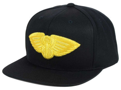 New Orleans Pelicans Mitchell and Ness NBA All Gold Logo Snapback Cap