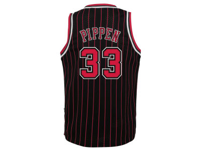 Chicago Bulls Scottie Pippen NBA Youth Retired Player Swingman Jersey