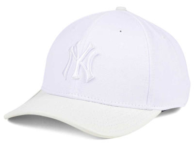 New York Yankees Pro Standard MLB Premium White on White Curve Strapback Cap