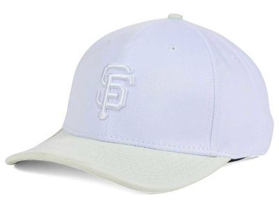 San Francisco Giants Pro Standard MLB Premium White on White Curve Strapback Cap