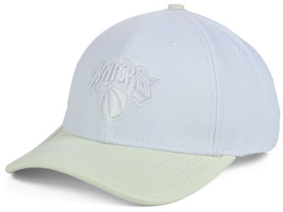 New York Knicks Pro Standard NBA Premium White On White Curve Strapback Cap