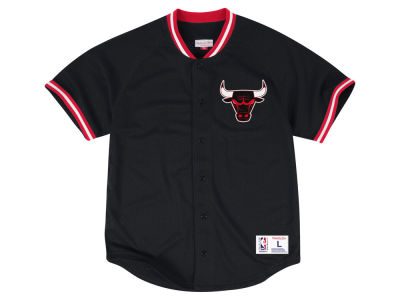 Chicago Bulls Mitchell & Ness NBA Men's Seasoned Pro Mesh Button Front Jersey