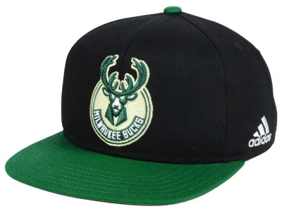 Milwaukee Bucks Outerstuff NBA Kids XL 2-Color Snapback Cap