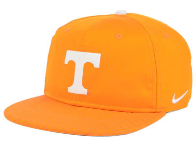 Tennessee Volunteers Nike NCAA 4.0 Hook Snapback Cap