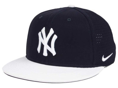 New York Yankees Nike MLB Aero True Structured Velcro Cap