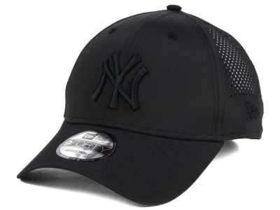 New York Yankees MLB Black/Black Perf Tech 9FORTY Adjustable Cap