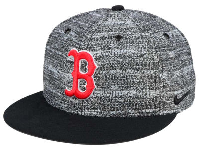 Boston Red Sox Nike MLB New Day Snapback Cap