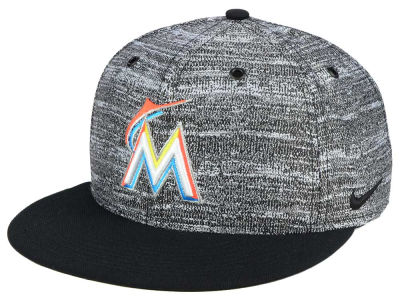 Miami Marlins Nike MLB New Day Snapback Cap