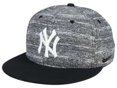 New York Yankees Nike MLB New Day Snapback Cap