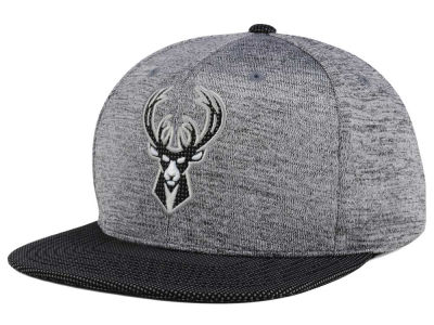 Milwaukee Bucks Mitchell & Ness NBA Space Knit Snapback Cap