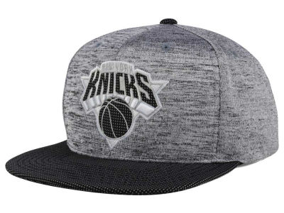 New York Knicks Mitchell & Ness NBA Space Knit Snapback Cap