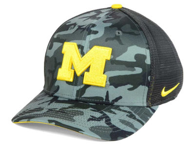 Michigan Wolverines Nike NCAA Camo Hook Swooshflex Cap