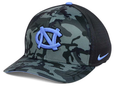 North Carolina Tar Heels Nike NCAA Camo Hook Swooshflex Cap
