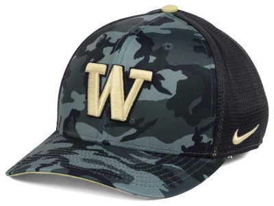 Washington Huskies Nike NCAA Camo Hook Swooshflex Cap