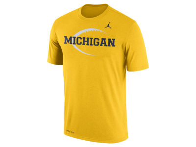 Michigan Wolverines Nike 2017 NCAA Men's Legend Icon T-Shirt