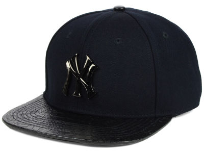 New York Yankees Pro Standard MLB Metal Black Stapback Cap
