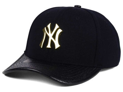 New York Yankees Pro Standard MLB Metal Black Curve Strapback Cap