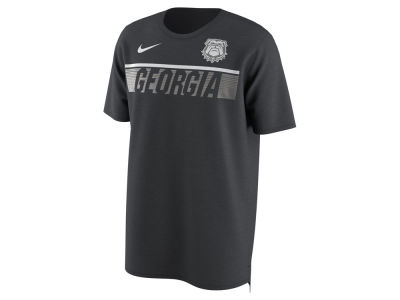 Georgia Bulldogs Nike NCAA Men's Momentum T-Shirt