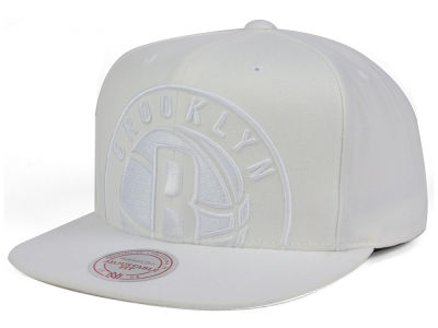 Brooklyn Nets Mitchell & Ness NBA Cropped XL Logo Snapback Cap
