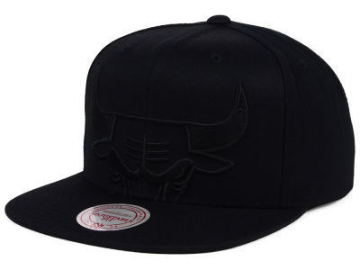 Chicago Bulls Mitchell & Ness NBA Cropped XL Logo Snapback Cap