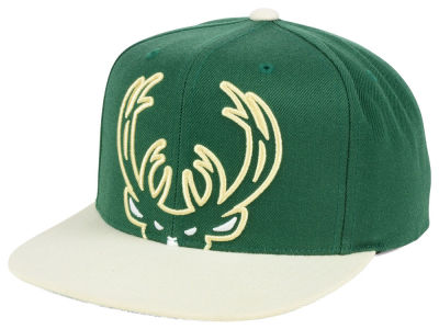 Milwaukee Bucks Mitchell and Ness NBA Cropped XL Logo Snapback Cap
