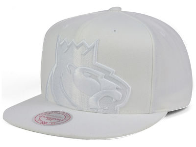 Sacramento Kings Mitchell & Ness NBA Cropped XL Logo Snapback Cap