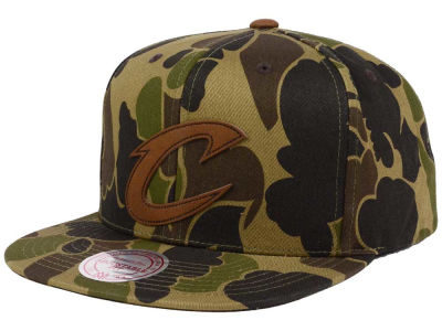 Cleveland Cavaliers Mitchell and Ness NBA Lux Camo Snapback Cap