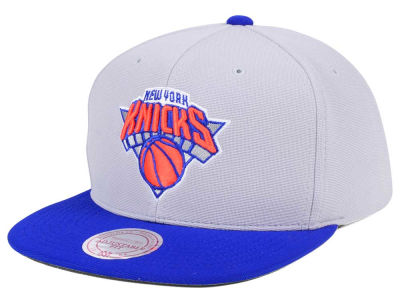 New York Knicks Mitchell & Ness NBA The Cloud Snapback Cap
