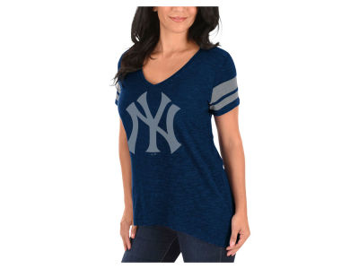 New York Yankees Majestic MLB Women's Check the Tape Plus Size T-Shirt