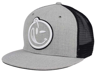 YUMS Classic Outline Trucker Cap