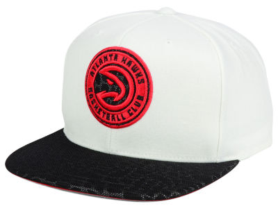Atlanta Hawks Mitchell and Ness NBA White Reflect Snapback Cap