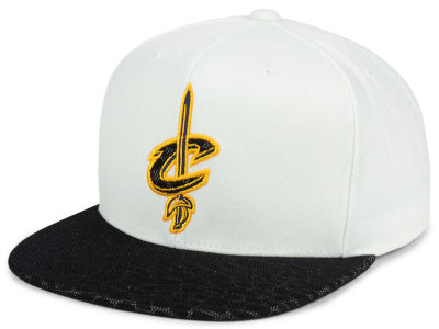 Cleveland Cavaliers Mitchell and Ness NBA White Reflect Snapback Cap