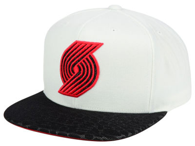 Portland Trail Blazers Mitchell and Ness NBA White Reflect Snapback Cap