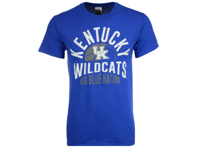 Kentucky Wildcats J America NCAA Men's Arc Ball Bridge T-Shirt