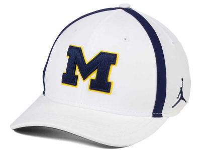 Michigan Wolverines Nike NCAA Aerobill Sideline Coaches Cap