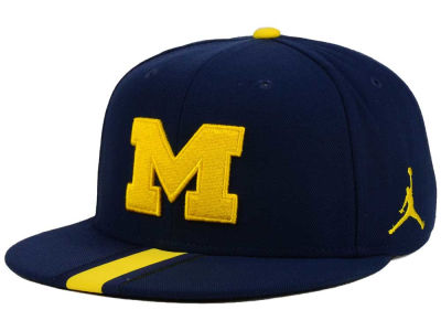 Michigan Wolverines Nike NCAA Sideline True Snapback Cap