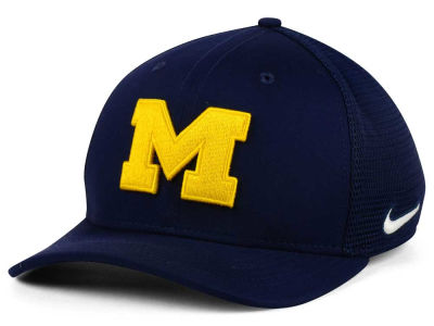 Michigan Wolverines Nike NCAA Aero Bill Mesh Swooshflex Cap
